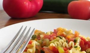 Mafalde corte al sugo di verdure e provolone piccante