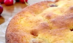 Gâteau moelleux à la ricotta, amande et Amaretto aux cerises