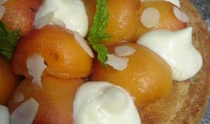 Tarte aux abricots et basilic, confiture de cerises noires