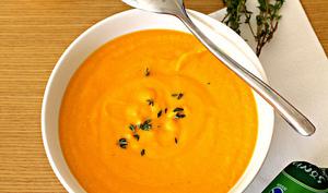 Soupe orange au fromage de chèvre
