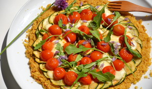 Socca-pizza aux légumes de saison