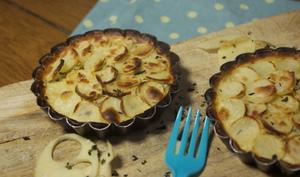 Tartelette pommes de terre primeur de Noirmoutier, mousse de thon et wakamé