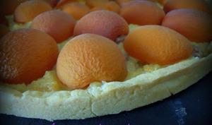 Tarte aux abricots et sa crème au nougat