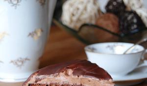 Gâteau 100% chocolat à 4 étages