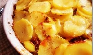 Pomme de terre à la viande hachée au four