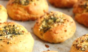Petits pains à l'ail et au persil