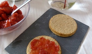 Gelée et Confiture de fraises, abricots, pommes et romarin