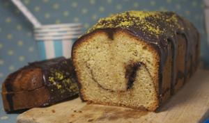 Cake noisettes, chocolat et pistache