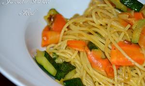 Spaghetti sauté courgette carotte et curry