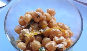 Salade de pois chiches grillés, féta et menthe
