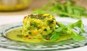 Salade de concombre libanais et mangue à la menthe