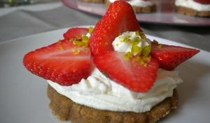 Tartelettes aux fraises, crème mascarpone à la pistache