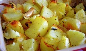 Pommes de terre rôties aux oignons