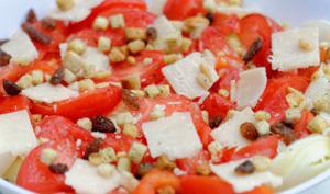Carpaccio de courgettes au parmesan, tomates et pignons