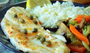 filet de poisson au four aux légumes sautées