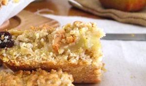 Petits carrés pommes, poires et cannelle aux flocons d'avoine et miel