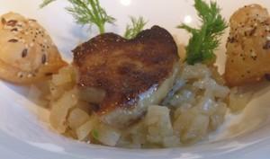 Foie gras poêlé et fenouil confit au miel et à la vanille