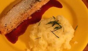 Saumon au vin rouge et son écrasé de pommes de terre