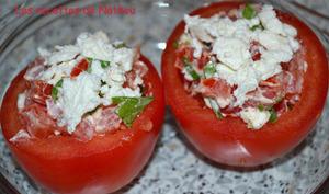 Tomates garnies au chèvre et basilic