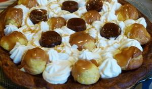 Saint honoré au caramel beurre salé et pommes tatin