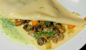 Lasagnes aux escargots, champignons et sauce persillade