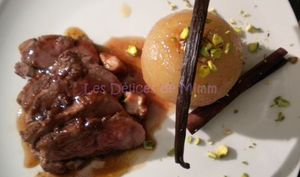 Magret de canard aux spéculoos, poire Nashi aux épices