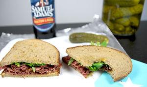 Sandwich au pastrami et cresson
