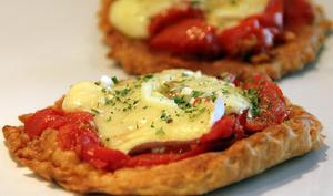Pizette feuillettée à la tomates rôties