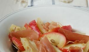 Salade grillée de fenouil, pommes et jambon cru