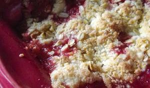 Crumble pomme-fraise et flocons d'avoine