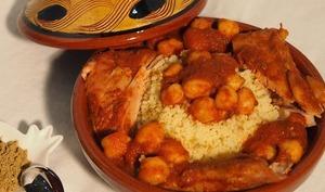 Poulet au cumin, sauce tomate et pois chiche