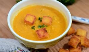 Soupe automnale et croûtons de polenta