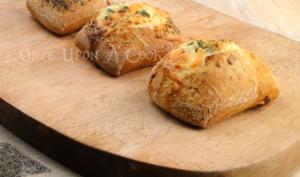 Les baked egg boats au saumon fumé