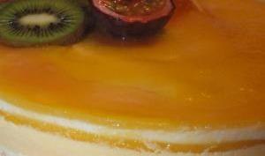 Gâteaux ananas-mangue-passion sur son lit de coco