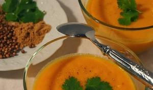 Crème de carottes à l'orange et aux épices