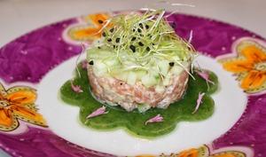 Tartare de saumon gravlax-crème-concombre au tilleul