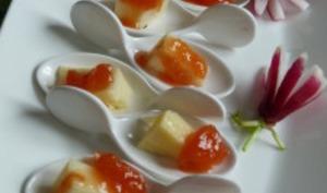 Cuillères de cantal et confiture de coing