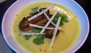 Velouté de courge niçoise au curry