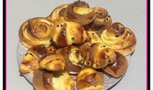 Escargots à la crème pâtissière et pépites de chocolat