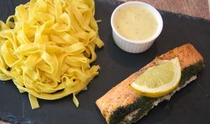 Le saumon rôti, sa sauce au champagne et ses tagliatelles fraîches