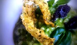 Risotto au cresson, caviar et chips de riz