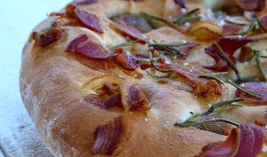 Focaccia à la châtaigne, pancetta et romarin