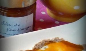 Confiture abricots-fleur d'oranger