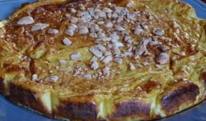 Gâteau au chou-fleur, curry et amandes concassées