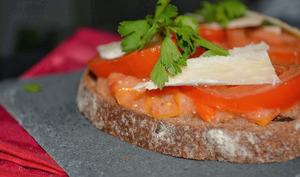 Tartines à la tomate