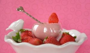 Mousse de fraises à la coriandre