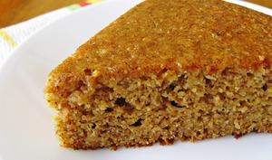 Gâteau sans gluten à l'orange entière et aux noisettes