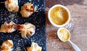 Petites aumonières choco-noix de coco et purée de mangue à la banane