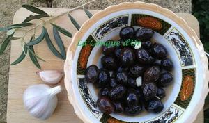 Olives noires frites
