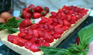 Tarte aux fraises, crème pâtissière au basilic de Cyril Lignac